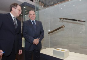 Откриване на изложба с реставрирания меч на тракийския владетел Севт III с посланика на Италия Н. Пр. Марко Контичели